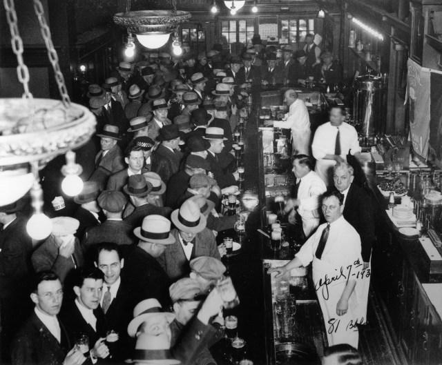 Berghoff_Bar-ProhibitionEnds1935