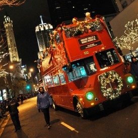 holiday lights tour on Chicago Trolley & Double Decker Tour. Makes a great holiday gift for Chicago Families