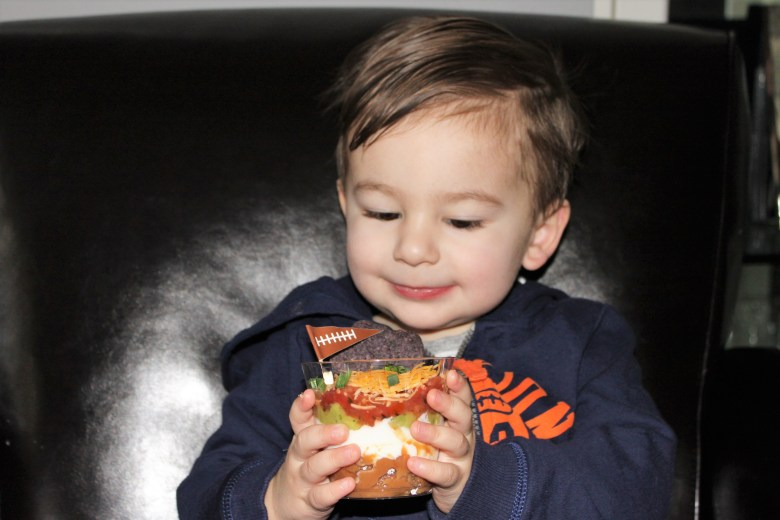 super bowl kid friendly ideas using solo products. Snacks and food