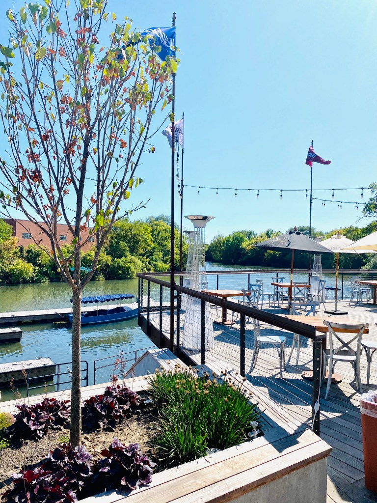 Rockwell on the River is a hidden dock and brewery on the north brand of the Chicago River. Definitely add it your fall bucketlist!