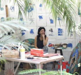 Isabela en su taller
