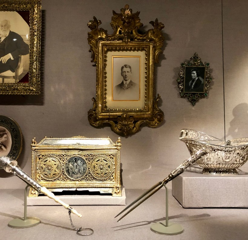 Small items that belonged to various members of the Rothschild family