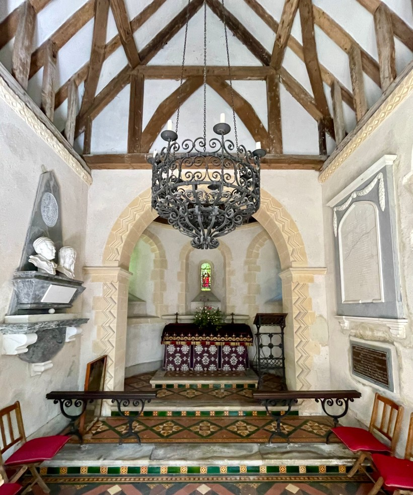 A simple interior at Mongewell St Johns