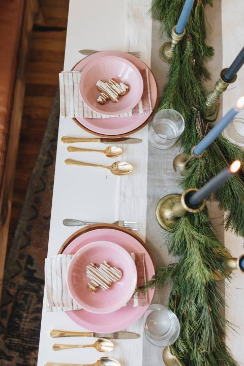 Creative Christmas Tablescape