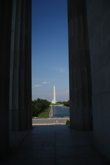 The Needle viewed from the side of the Lincoln Memorial
