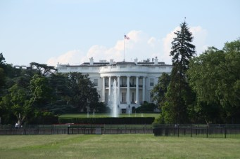 The White House, zoomed in (thank god for zooms!)