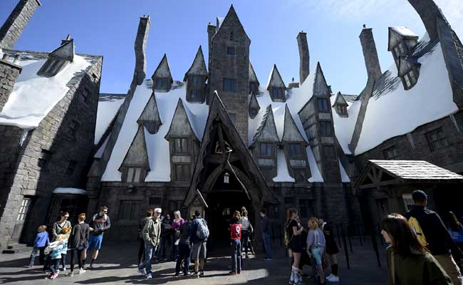 the-wizarding-world-of-harry-potter-reuters_650x400_41459194444