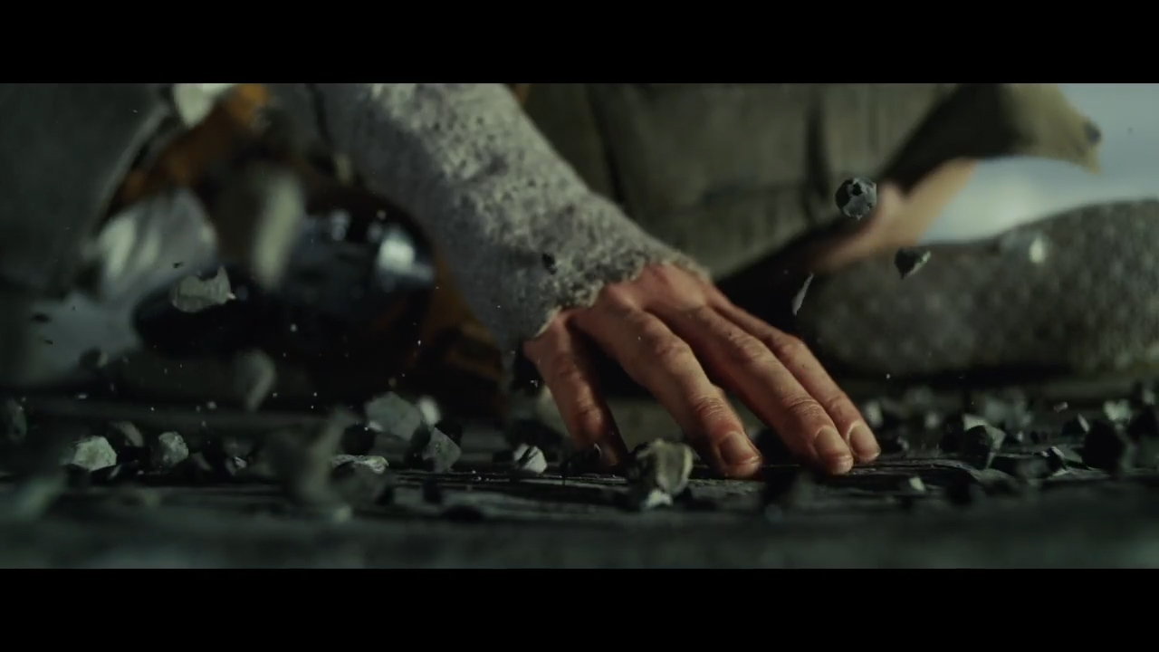 Star Wars- The Last Jedi Official Teaser.00_00_41_14.Still010