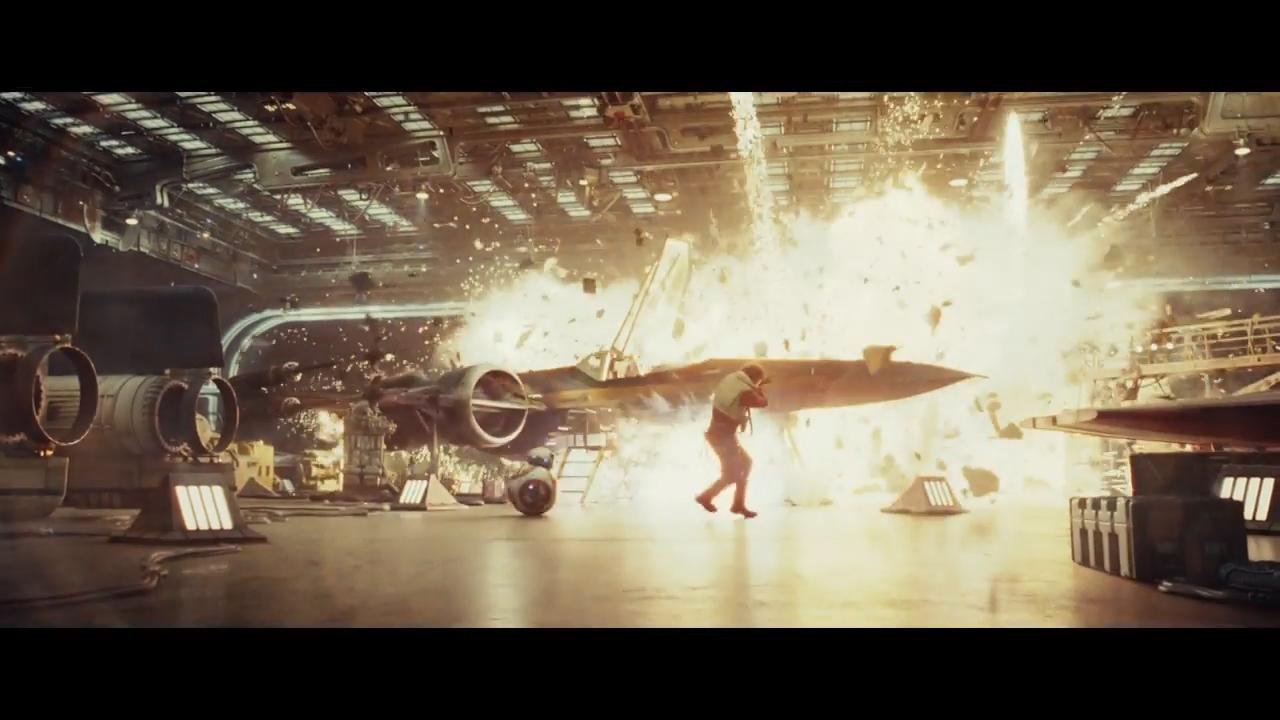 Star Wars- The Last Jedi Official Teaser.00_01_24_10.Still001