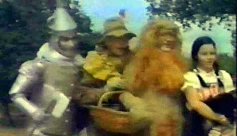 We're off to see the unofficial Turkish ripoff of the Wizard, the wonderful unofficial Turkish ripoff of Oz... (2/2)