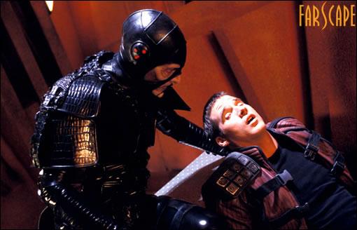 Scorpy (pour les intimes) qui torture (encore) Crichton ! ^^;