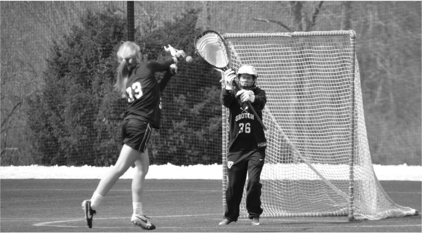 Girls%E2%80%99+varsity+lacrosse+practices.