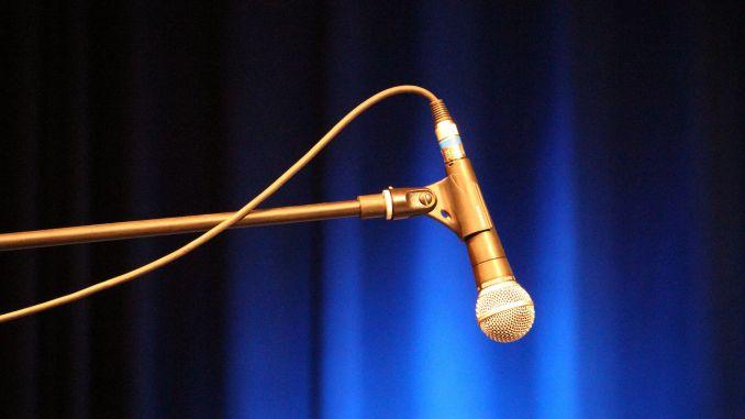 Microphone: Photo Credit Bela Troszt (Flickr.com)