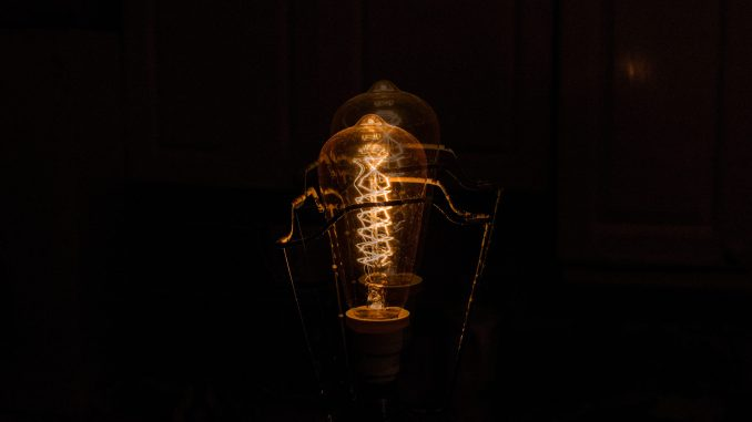Light bulb - Matthieu Dumas