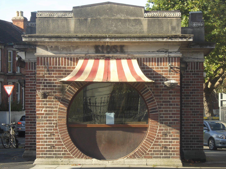 Coffee shop closes