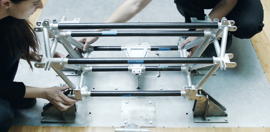 Carbon fiber frame with aluminum nodes. (Ph: Divergent)