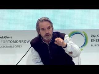 "Jeremy Irons discussing trash and ""Trashed"" (http://jeremyironsno1fan.files.wordpress.com/2013/04/energy12.jpg?w=460&h=345)"