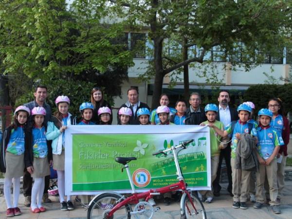 Orhaniye İnci Narin Yerlici Ortaokulu Öğrencileri