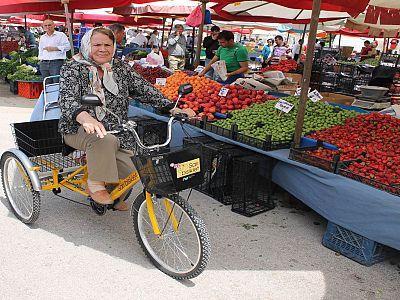 Eti Sarı Bisiklet Semt Pazarında