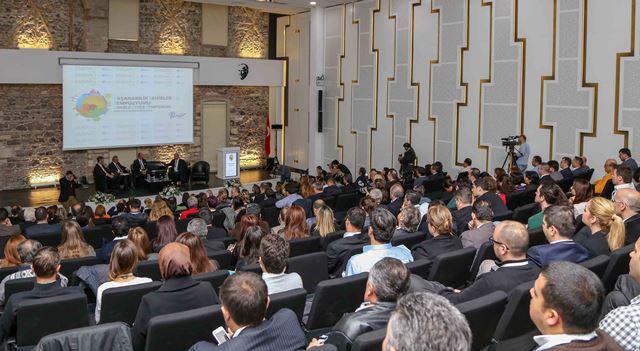 EMBARQ Türkiye ve İZKA işbirliğinde Yaşanabilir Şehirler Sempozyumu 2014, 20 Kasım tarihinde İzmir Mimarlık Merkezi'nde gerçekleştirildi.