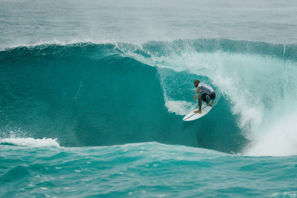 Kelly Slater placed second in Heat 3 of the Quarter Finals at the VANS World Cup of Surfing at Sunset Beach, Hawaii today.