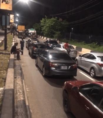 Motorists Spend Night At Ikoyi For Violating Curfew Order (Photo/Video)