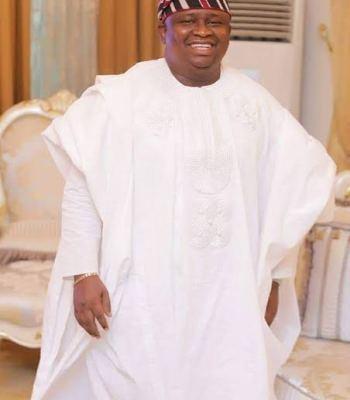Eid-Ei-Fitri: Senator Adeola Felicitates With Muslims