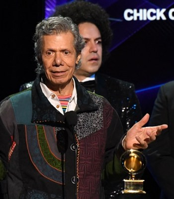 Chick Corea , Jazz Legend And Fusion Pioneer Dies Of Cancer