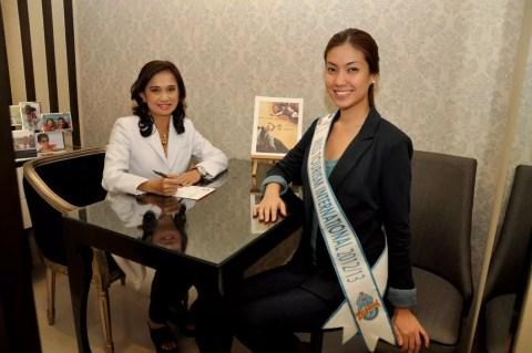 Miss Tourism International 2012-13 Rizzini Alexis Gomez at Zen Institute