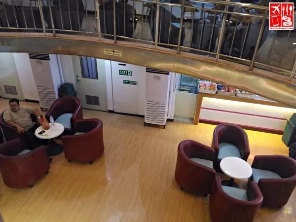 The lobby looking from Horizon Cafe
