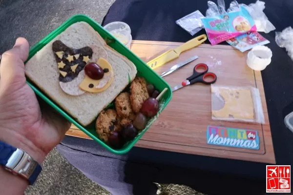 I participated in bento-making activity