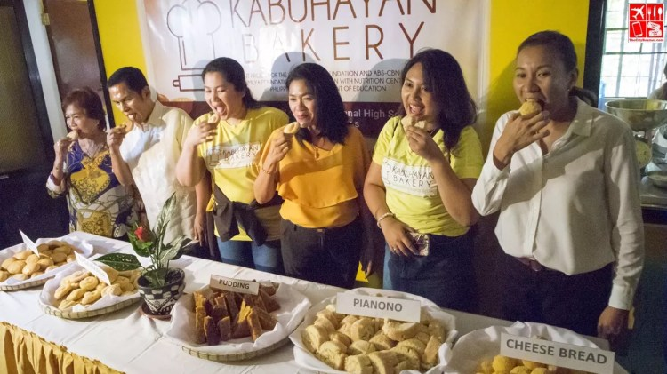 Representatives from the LGU Goldilocks and ABSCBN Foundation at the Golidlocks Kabuhayan Bakery Official Launch