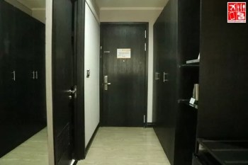 door way and cabinets of Le Charme Suites De Luxe Room