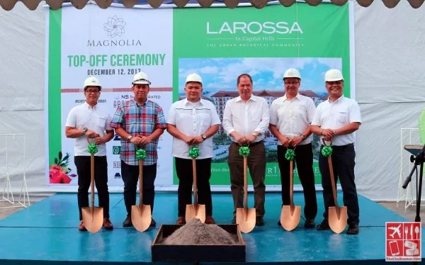 Primehomes executives at the top off ceremony