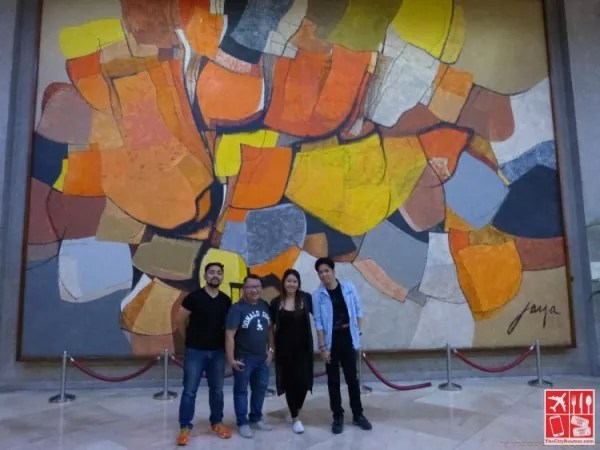 With blogger friends in front of the mural by Jose Joya entitled Pagdiriwang