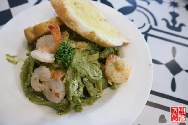 Creamy Pesto Shrimp Pasta (Php275) at Papa Kim's Korean Bakery