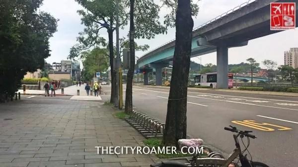 The walk to Maokong Gondola Station