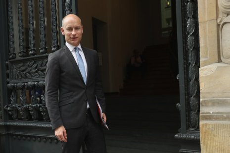 BERLIN, GERMANY - MAY 31: British MPs Stephen Kinnock arrives at a debate over Brexit hosted by YouGov on May 31, 2016 in Berlin, Germany. Britain will hold a referendum on June 23 over whether to remain in or leave the European Union. (Photo by Sean Gallup/Getty Images)