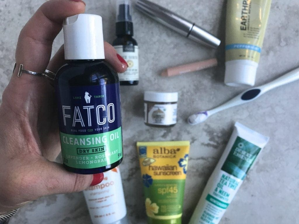 Did you know that many of the products you use each day are loaded with chemicals? I've rounded up some of my favorite brands to show you 7 Simple Ways to Detox Your Life.