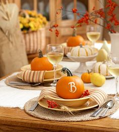 http://www.bhg.com/thanksgiving/crafts/thanksgiving-tabletop-crafts/