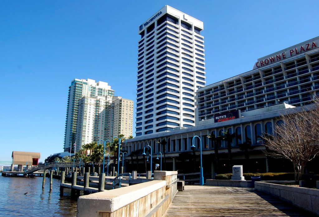 Story of a Building: Riverplace Tower