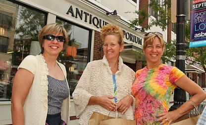 On Cookman Avenue in Asbury Park were Martene Luhrs, Catawissa, Pa., Wendy Wasilewski of Flemington and Joann Stefanelli, Easton, Pa.