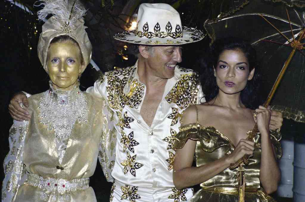 Colin Tennant, Anne Tennant and Bianca Jagger on Mustique, in The Grenadines
