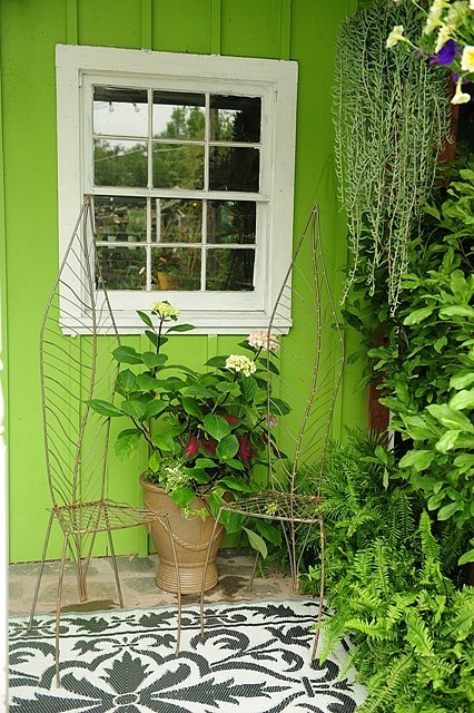 chartreuse and gray walls; lime green and fuchsia color ... on Green Wall Patio id=60551