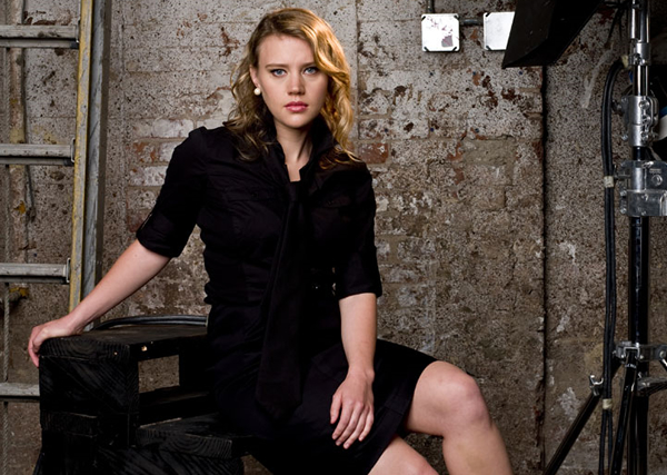 Snl To Add Kate Mckinnon To Featured Cast  The Comics Comic-9007