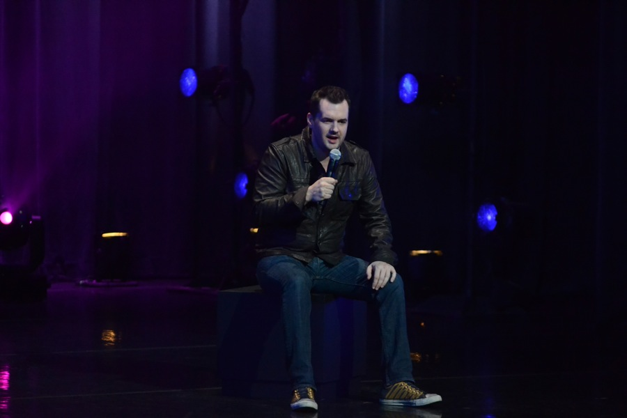 "Before he can go ""Legit,"" Jim Jefferies performs ""Fully Functional"" stand-up on EPIX"