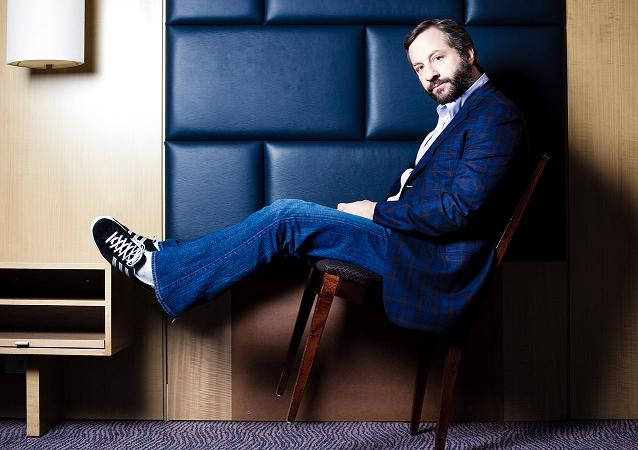 "Judd Apatow will compile his sum total of one-on-one comedy interviews into Random House book, ""Sick In The Head"""