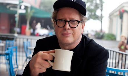 Darrell Hammond returns to SNL as its announcer, succeeding the late Don Pardo