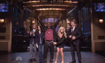 Larry David, Tina Fey, Alec Baldwin and a 30 Rock reunion support Tracy Morgan's SNL comeback as host