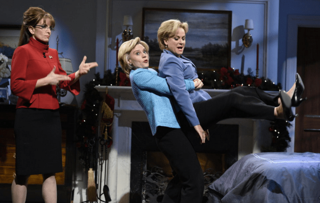 SNL #41.9: Merry Christmas from Tina Fey and Amy Poehler, Bruce Springsteen (and famous friends!)